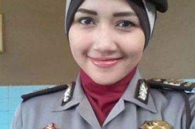 gadis-jilbab-cantik-kapolsek-polisi-wanita-karir-polwan-aceh-polwan-cantik-prestasi.jpg