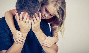 Menangis di Depan Anak Bermanfaat atau Berbahaya?